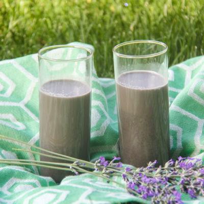 Lapte vegetal din susan negru