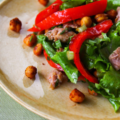 Salata spaniola cu ton, naut si ardei fripti