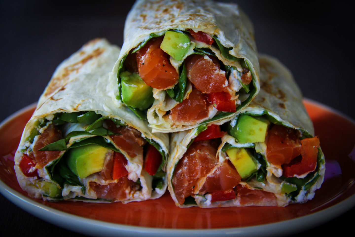 "alt=""wrap cu somon marinat si avocado"""